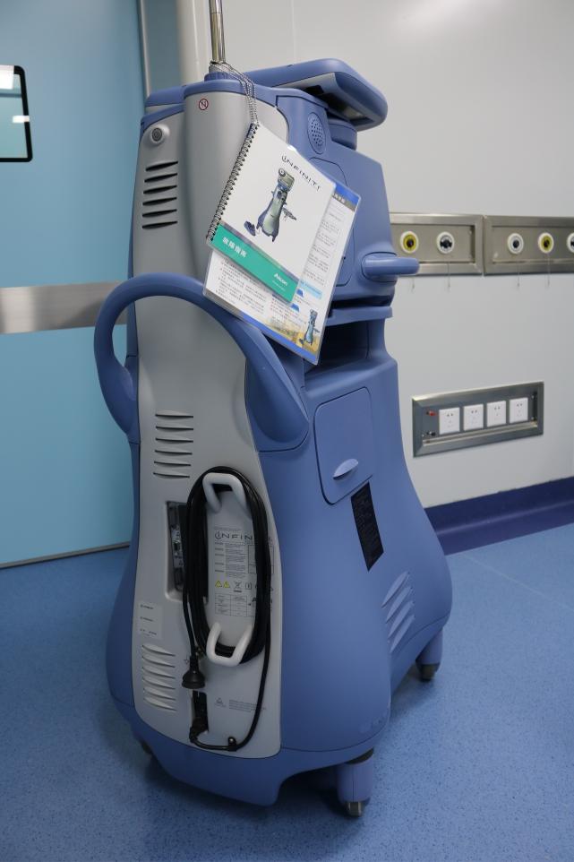 爱尔康同轴微切口超乳手术系统INFINITI